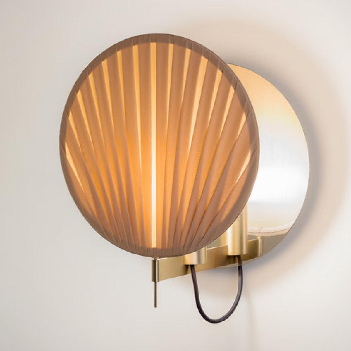 Guinea #5 wall lamp